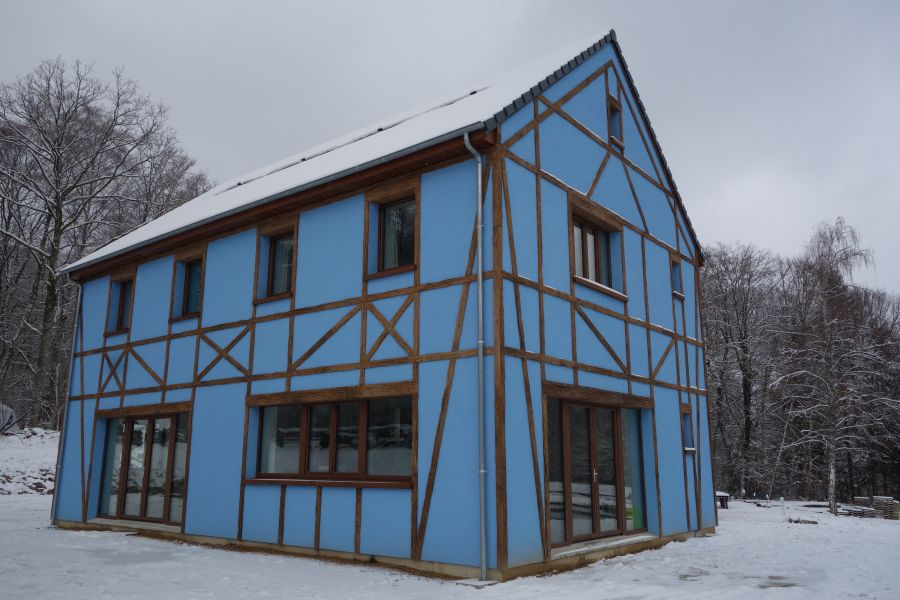 Avenidor sous la neige face sud est